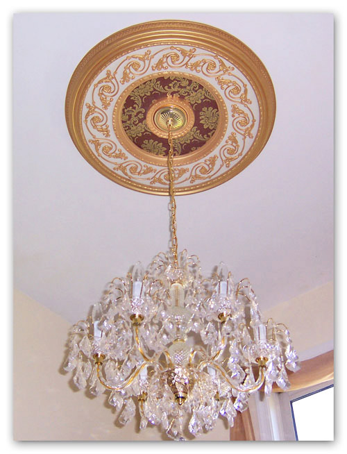 Wishihadthat Ornate Medallion Gold On Red