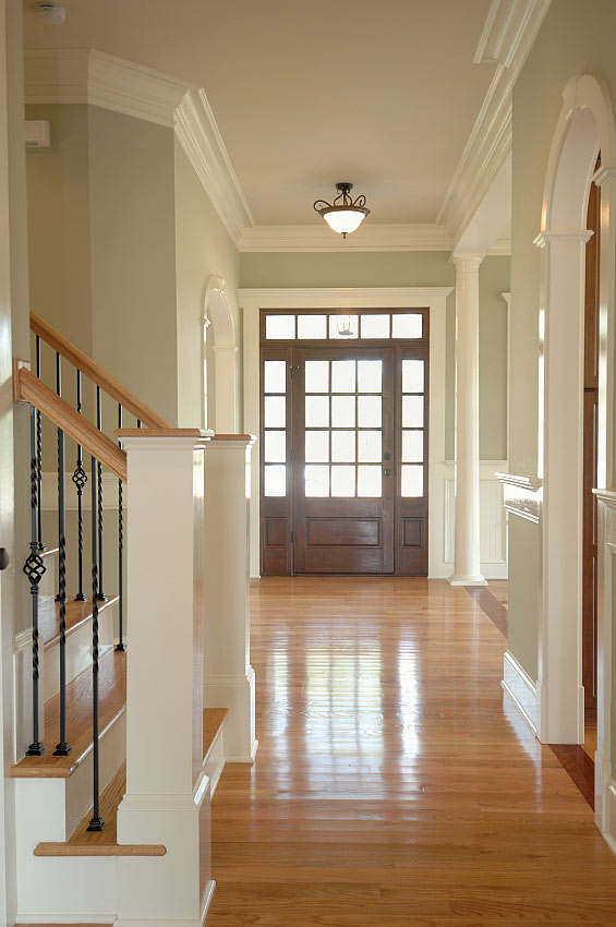 Foyer Molding Ideas : Entryway design